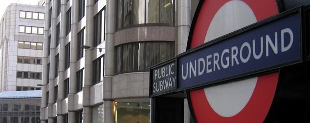 Danone раздава минерална вода в лондонското метро